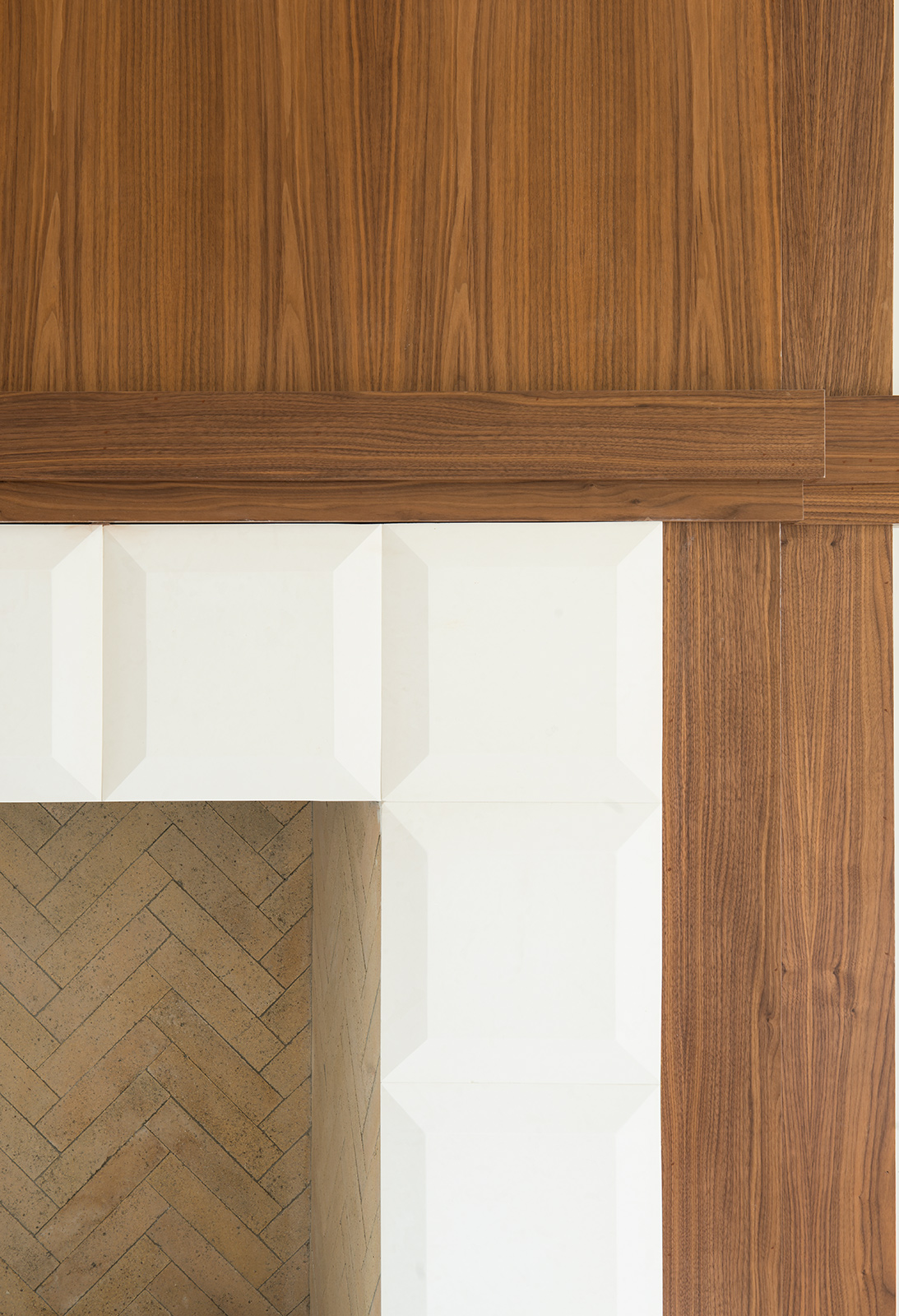 3216-Colgate-Mantle-walnut